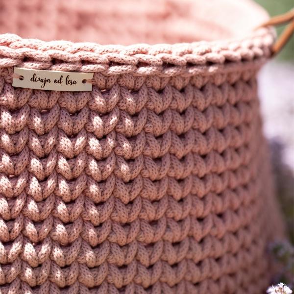 kosik carry M blush detail spredu